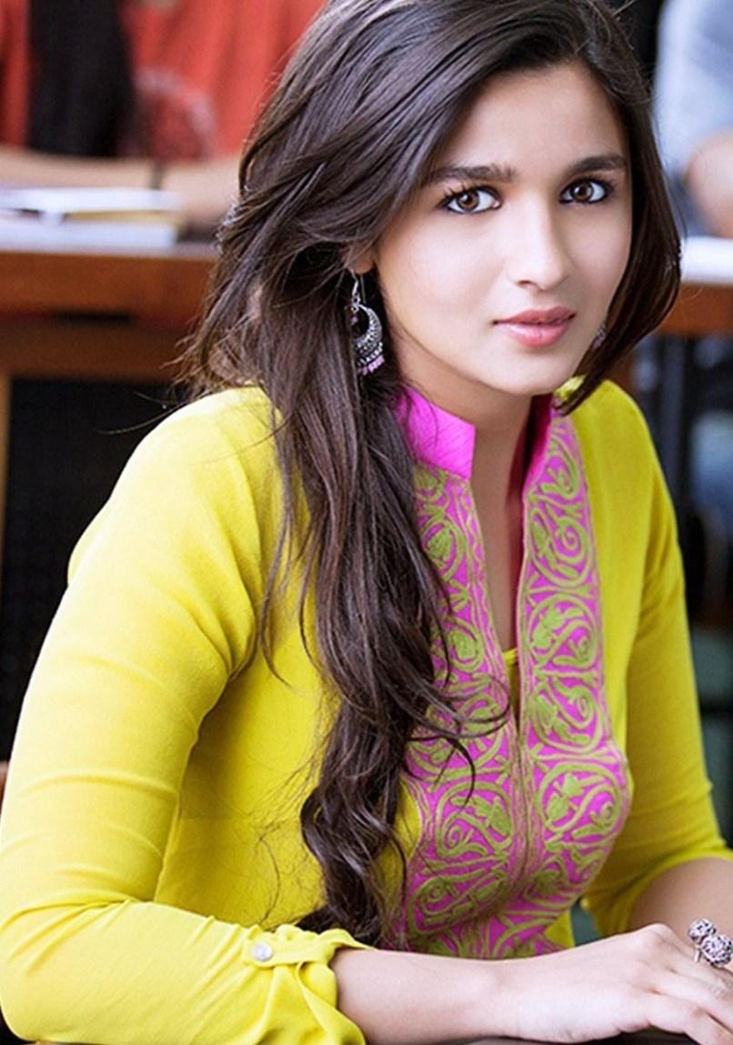 Alia Bhatt Hd Wallpapers 2 States Wallpapersimagesorg