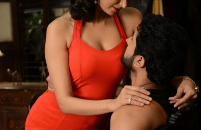 adavi-kaachina-vennela-telugu-movie-hot-stills (22)