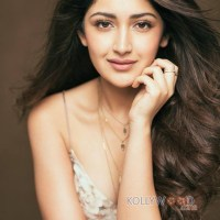 Sayesha Saigal to debut in Sandalwood!