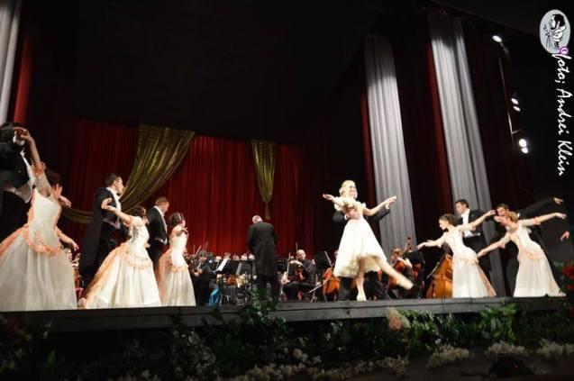 Ujevi_koncert_balettkar
