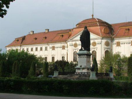 nagyvarad2-palota