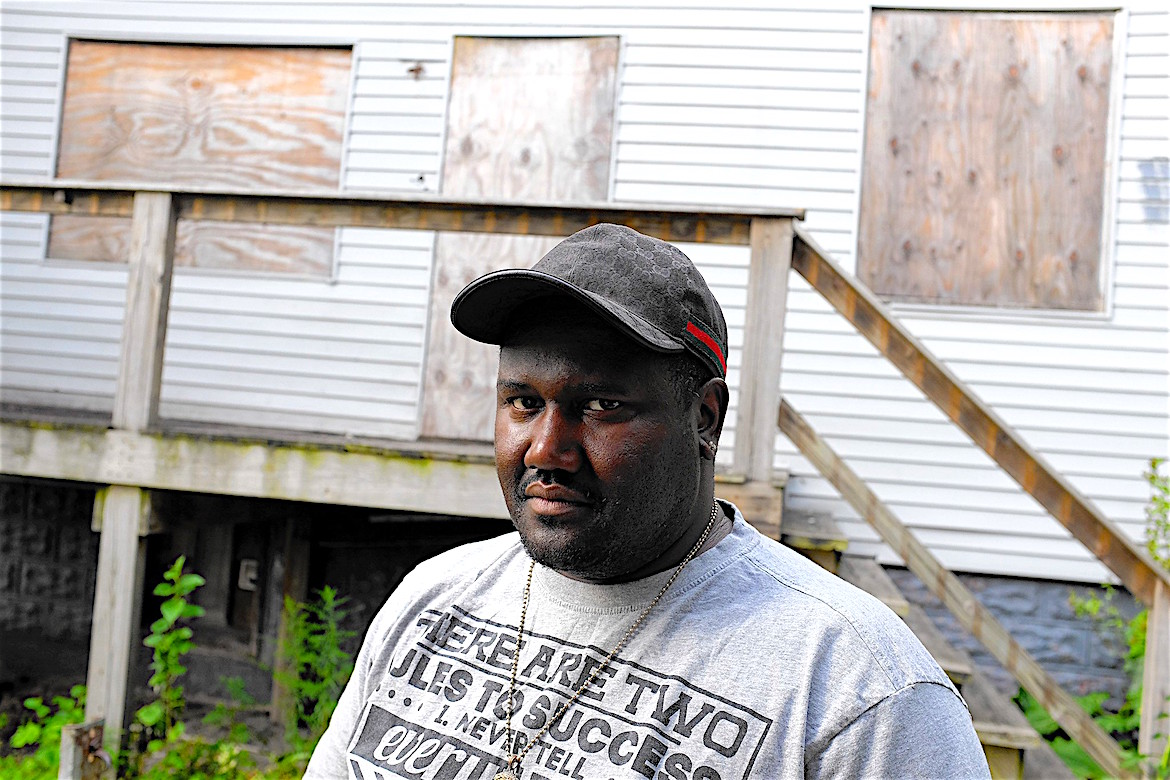 Corey Batchelor, 45, spent about 15 years in prison for a 1989 murder. He is still trying to prove his innocence, alleging that detectives who worked under disgraced former Chicago police Cmdr. Jon Burge tortured him into confessing at age 19 to the fatal South Side stabbing. (Jose M. Osorio / Chicago Tribune)