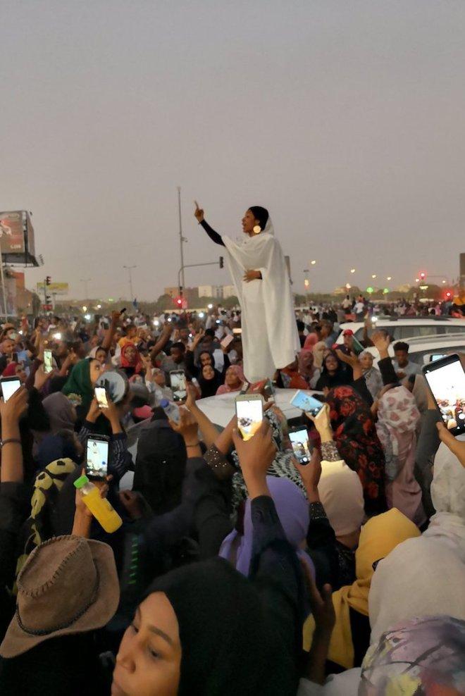 Alaa Salah, Sudan, African Uprising, KOLUMN Magazine, KOLUMN, KINDR'D Magazine, KINDR'D, Willoughby Avenue, WRIIT, Wriit, African History,