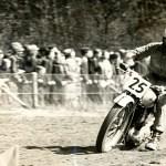 Gennem 6 år arrangerede KOM motorløb på Hinge Banen