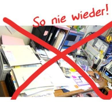 2 Ein aufgeräumter Schreibtisch fördert die Effizienz und steigert die Karrierechancen.