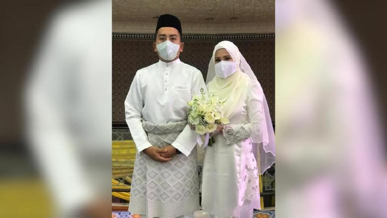 Bermula sebagai kawan, Dayana dan A'dale akhirnya disatukan sebagai suami isteri, pagi tadi. Foto Ihsan Dayana Roza