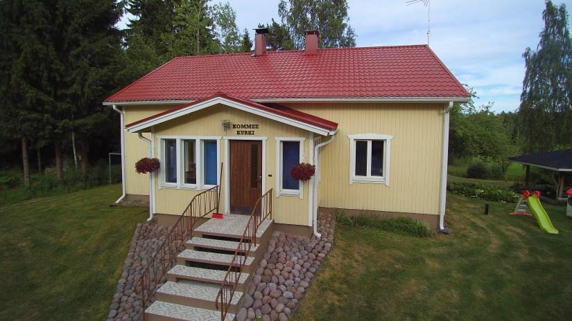 Kommeen Kurjen luonnonläheinen talomajoitus Sastamalassa
