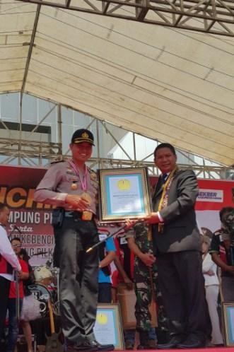 Penghargaan LEPRID untuk Rekor Pembentukan Paguyuban Kampung Serikat Pekerja dan Buruh Pertama di Indonesia
