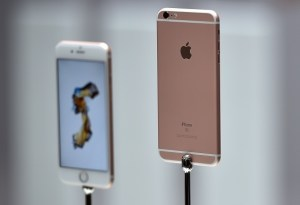 New models of the iPhone 6s are seen displayed during an Apple media event in San Francisco, California on September 9, 2015. Apple unveiled its iPad Pro, saying the large-screen tablet has the power and capabilities to replace a laptop computer.    AFP PHOTO/JOSH EDELSON        (Photo credit should read Josh Edelson/AFP/Getty Images)