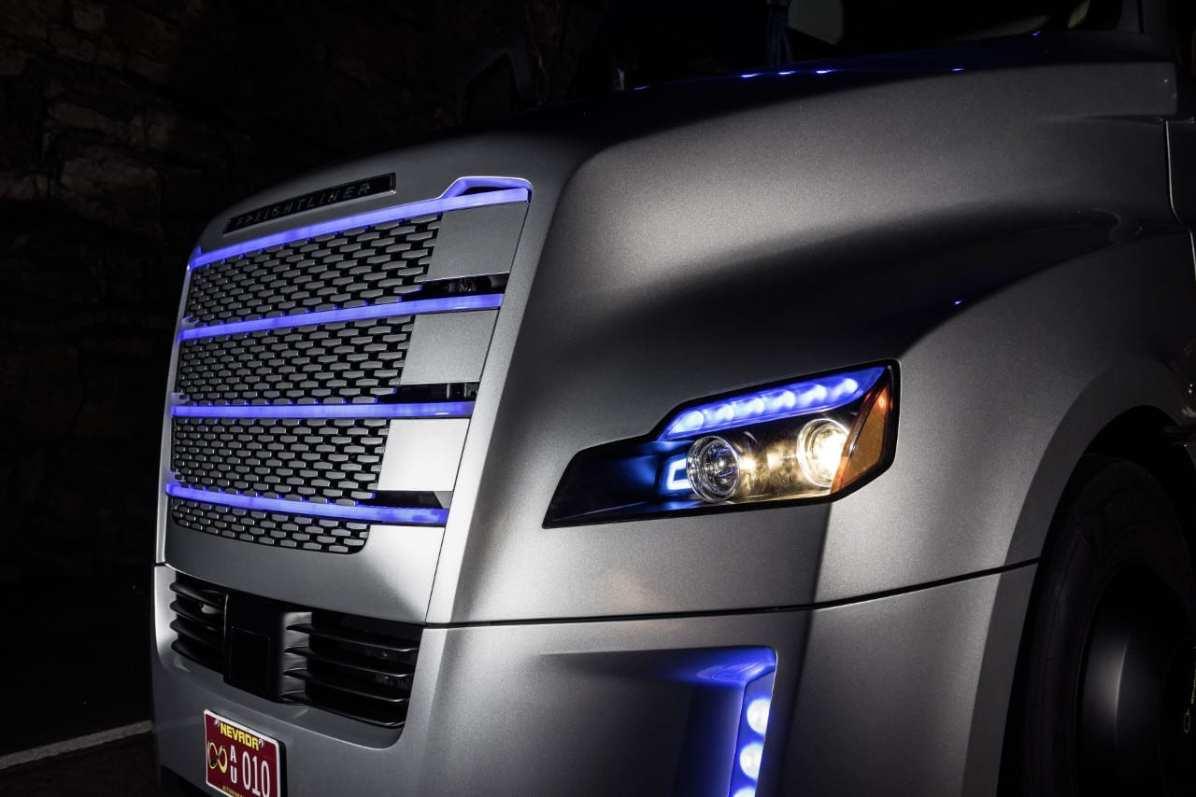 Freightliner Inspiration Truck - Corner