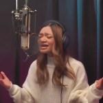 """Angelica Hale Dan Kekuatan Perempuan Dalam Syair Lagu """"Looking Up"""""""