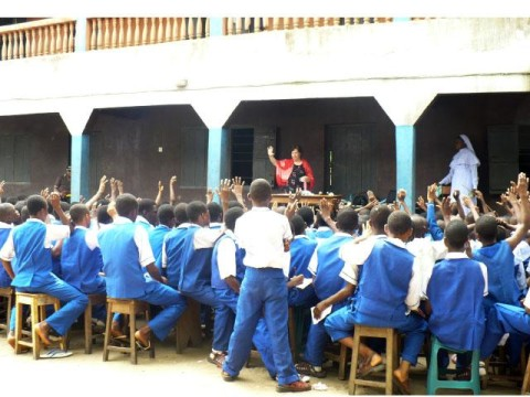 Akpos Jokes: Akpos Goes to School