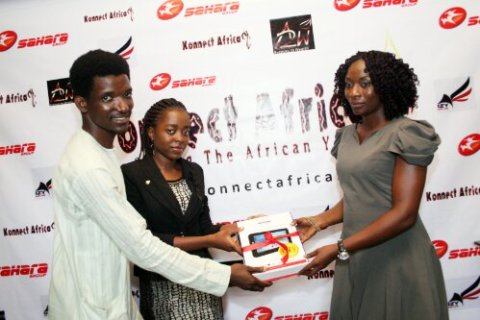 Ife&Kunle present the 3rd-place prize to Oge Okafor-representing Henrietta Okafor