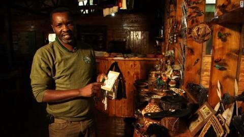 Amos: www.cnn.com