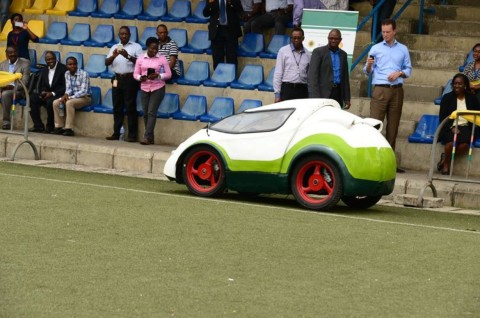 Test Drive session: Spectators, Shell staff, monitoring the performance of the car made by students of the Ahmadu Bello University at the test-drive session in Lagos