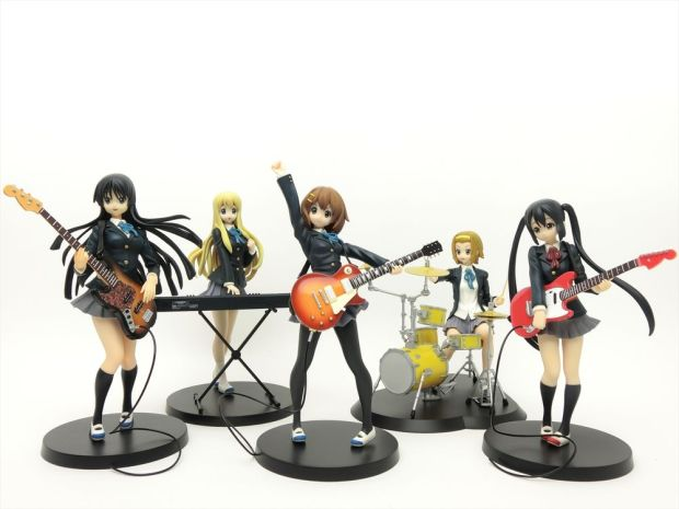 The Ultimate Guide to Anime Shopping in Den Den Town, Osaka - K-ON! Figure Set