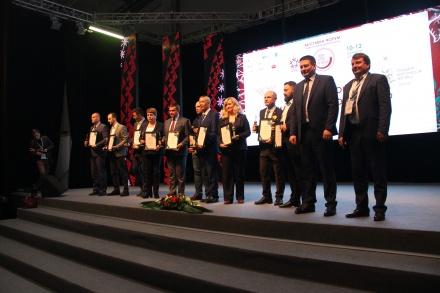 Состоялась торжественная церемония награждения победителей окружных конкурсов «Лидер бизнеса Югры» и «Лучший товар Югры».