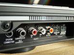 Anschluss trotz Funkverbindung auch für einen kabelgebundenen Subwoofer