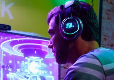 Weltweit nehmen Gamer am JBL Quantum Cup teil
