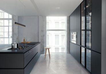 KEF erweitert sein Angebot an Einbaulautsprechern mit einem neuen Modell für Wand- oder Deckeneinbau