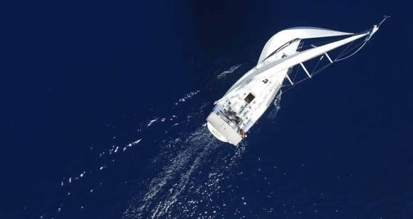 Stakeholder-Integration und Stakeholder-Engagement sind die neuen Manöver für Creating Shared Value: Segelschiff im Wind © Airvideopl @ Pixabay