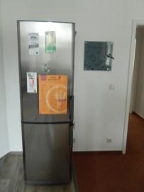 Ein großer Kühlschrank