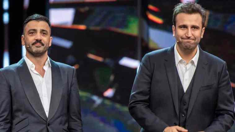 """Pio e Amedeo contro Alessandro Cecchi Paone: """"Ricch**ne, pezzo di me… come Hitler"""" Caos sul web"""