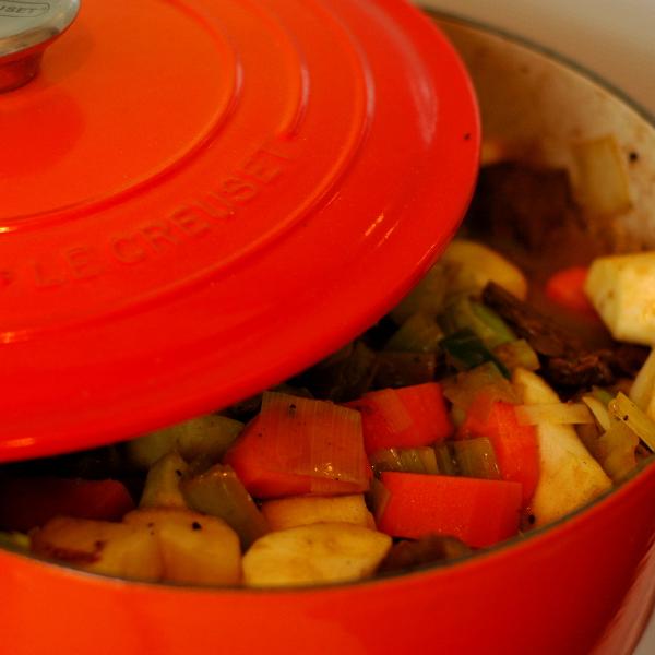 Stoofpot alle ingrediënten in de pan