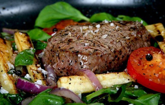 Etin Ustası Nusret'i Bile Kıskandıracak Et Pişirme Teknikleri ve Evinizde Kolaylıkla Yapabileceğiniz Et Tarifleri