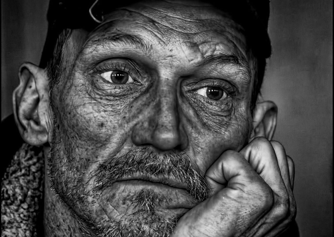 Fakir İnsanlar Neden Oldukları Yerde Sayıyorlar?