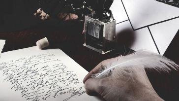 Yazarlar Birbirlerinden Esinlenmeli Mi?