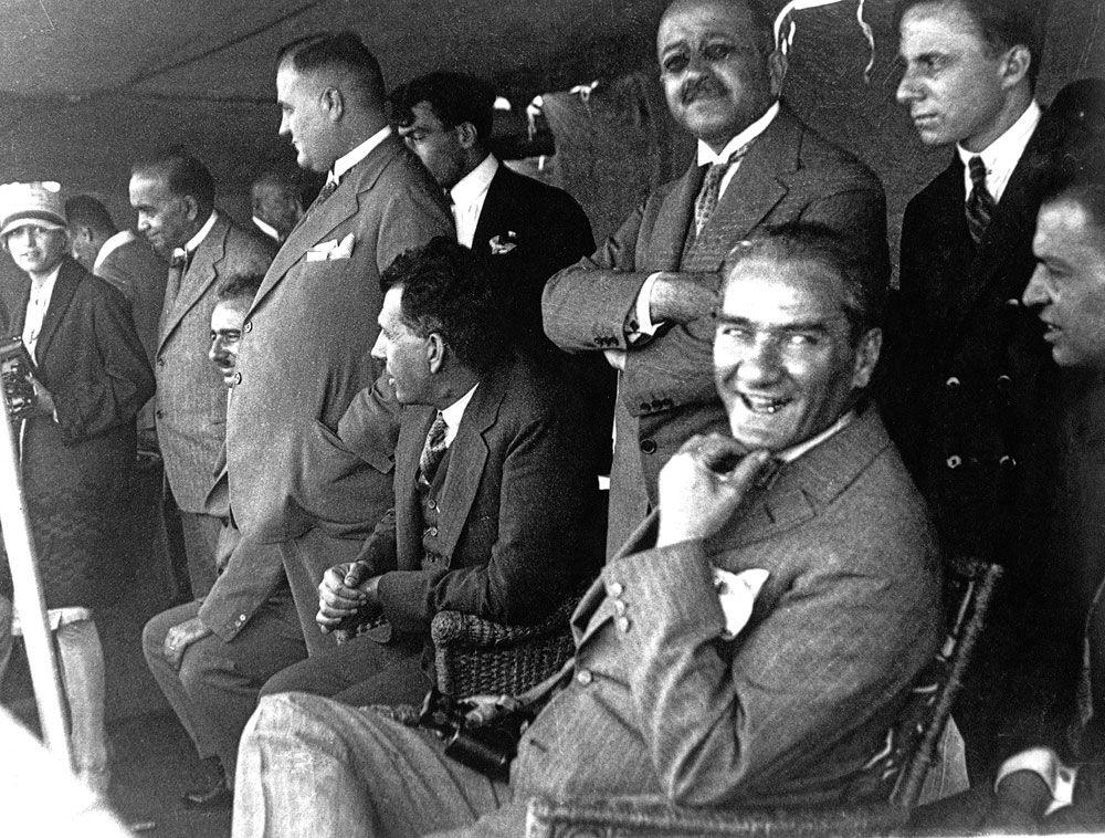 Atatürk, Cumhuriyet, Laiklik Kavramlarının Terk Edilişi
