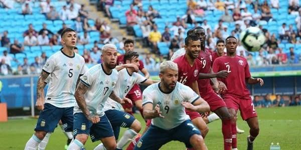 الأرجنتين تهزم قطر بثنائية وتتأهل لربع نهائي كوبا أمريكا.