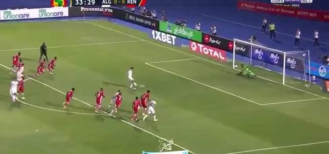 بغداد بونجاح يسجل هدف المنتخب الجزائري في مرمى كينيا