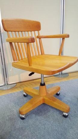 ウッディな書斎椅子