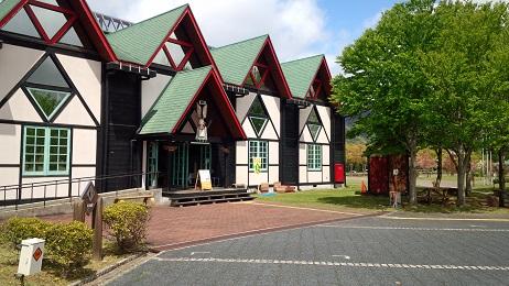 会場の木の館ホール