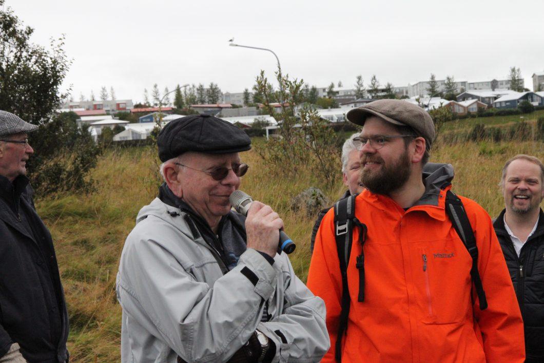 Guðlaugur R. Guðmundsson og Gunnar Marel Hinriksson, sagnfræðingar, voru með í för.