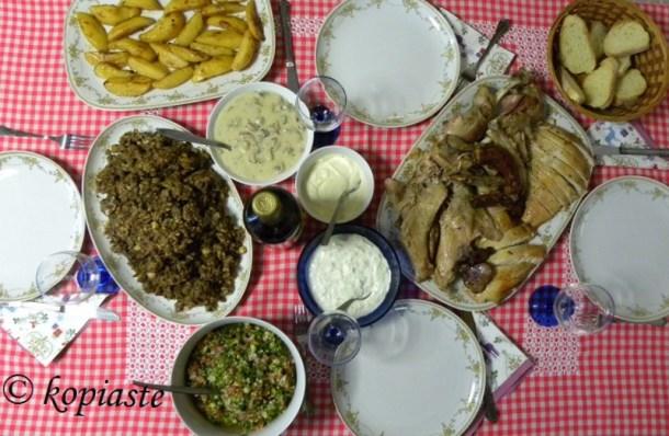 Χριστουγεννιάτικο τραπέζι εικόνα