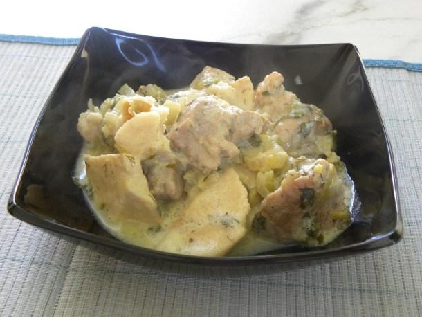 χοιρινό με κολοκάσι αυγολέμονο εικόνα