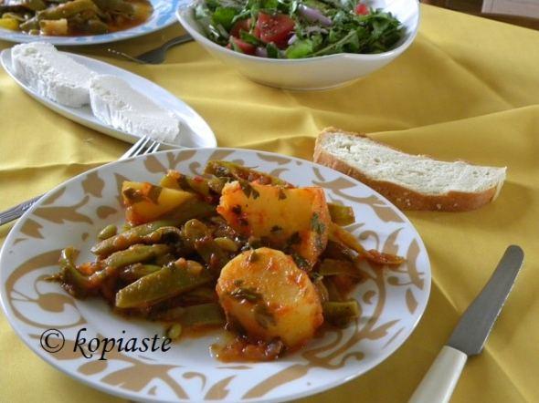 Fassolakia Greek green beans