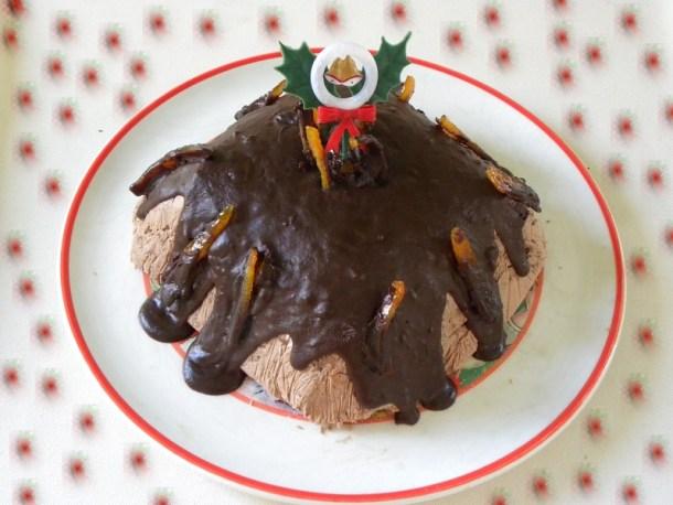 Γκατώ Μαύρης Λάβας με γλυκά που περίσσεψαν εικόνα