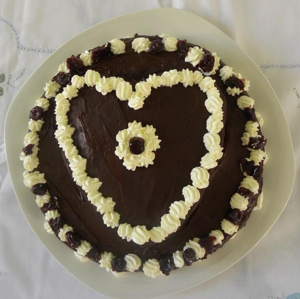 Διώροφη Τούρτα σοκολάτας Αγίου Βαλεντίνου εικόνα