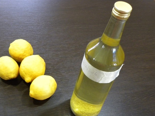 Λιμοντσέλο με ξύσμα λεμονιού εικόνα