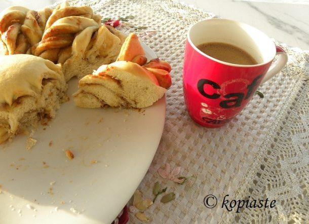 Ταχινόψωμο με Ελληνικό καφέ