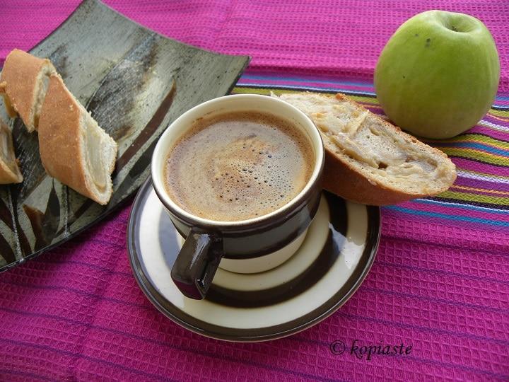 Ταχινόπιτα Γεμιστή με Μήλα