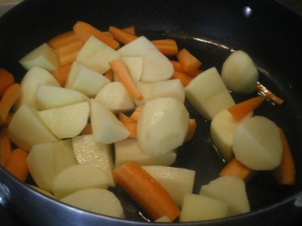 Σοτάρω τα λαχανικά φωτογραφία