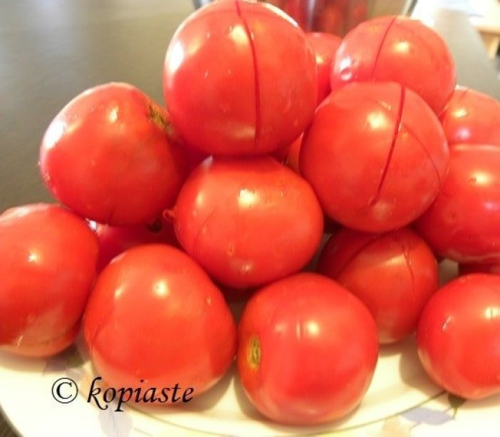 Fresh Tomatoes scored
