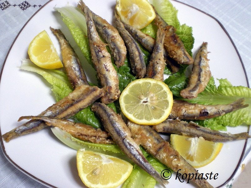 Gavros Tiganitos (fried Anchovies)