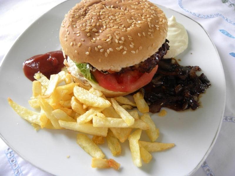 burgers in a bun image