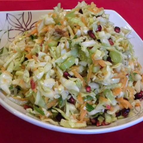 Lahanosalata me Karoto (Cabbage and Carrot salad)
